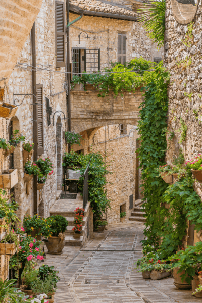 7 of the Best Towns of Umbria (that you can get to by train)