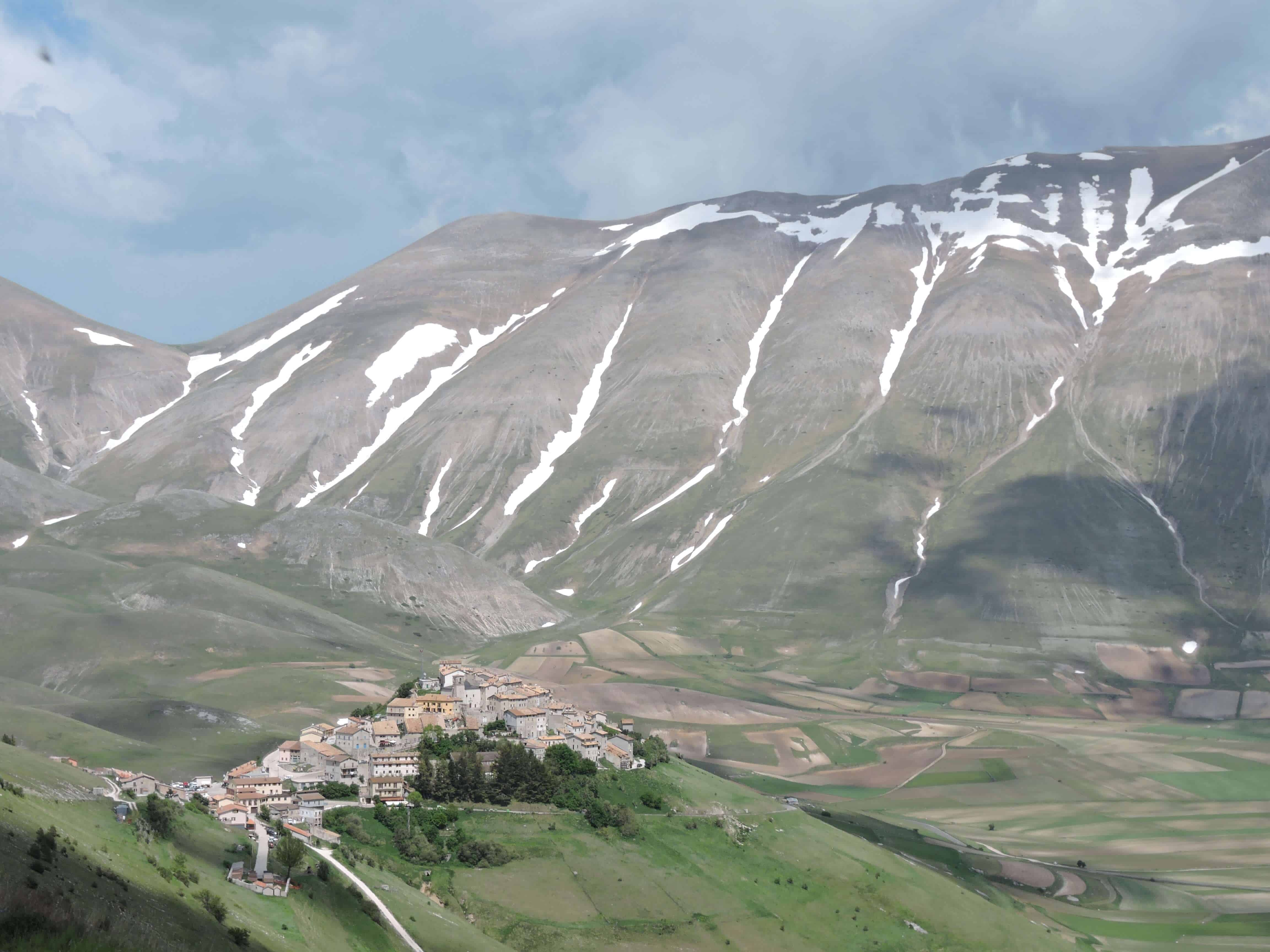 What is Umbria famous for? The Sibillini mountains and Castellucio